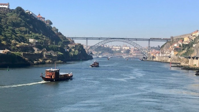 Cruise of the Six Bridges in Oporto