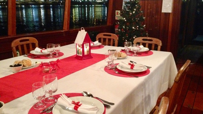 Christmas Cruise with lunch or dinner on board